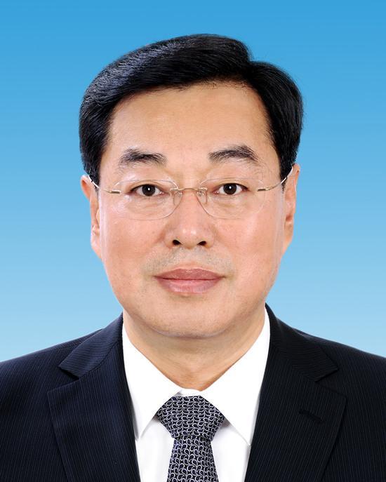 杨东奇同志