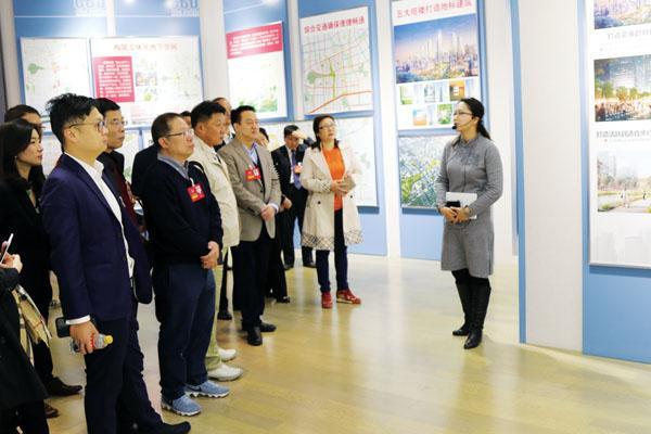 深圳山东商会考察济南市重点项目。