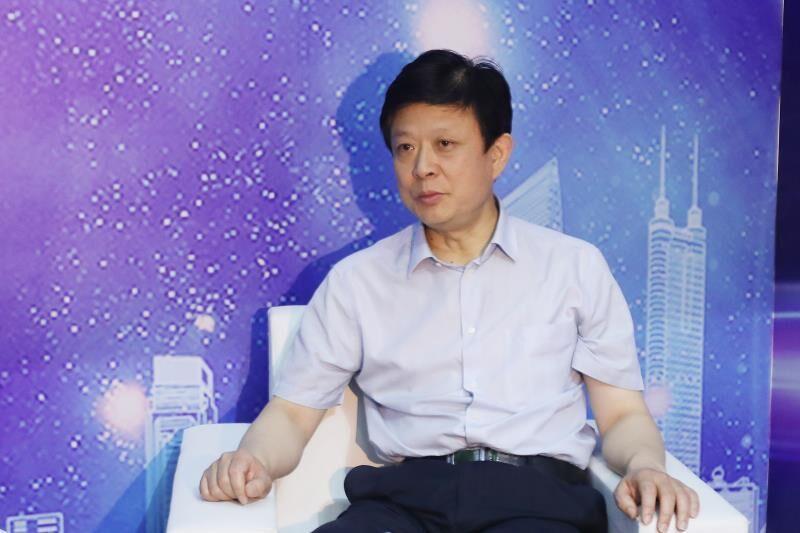 """记者采访本届""""中国文化企业30强"""",山东出版集团党委书记、董事长张志华"""