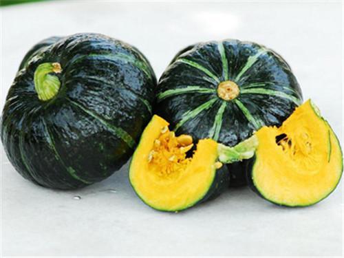 秋菜上市处于旺季,货源大幅增加,菜价继续下跌