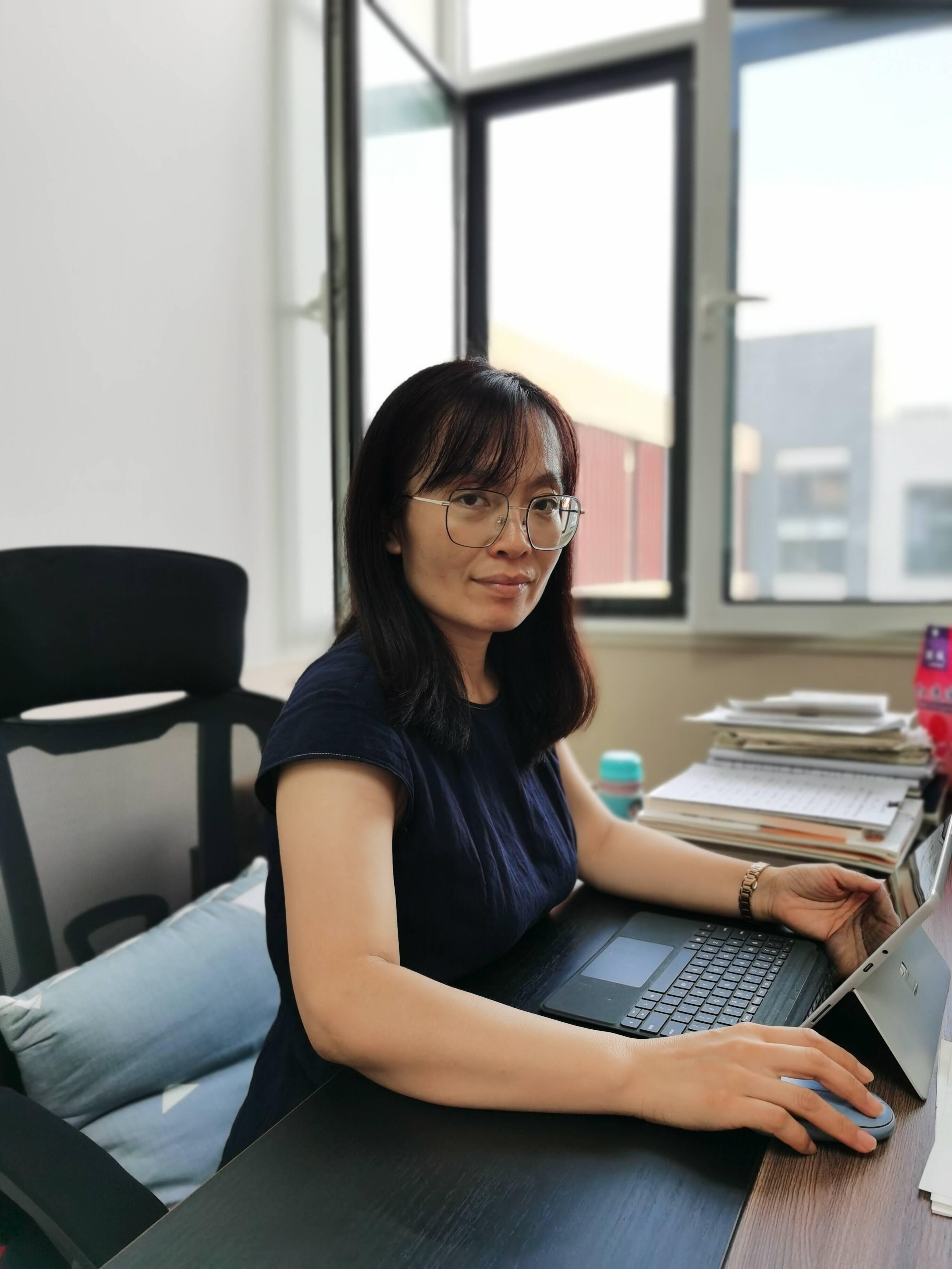宋婕对待学生宽严有度。