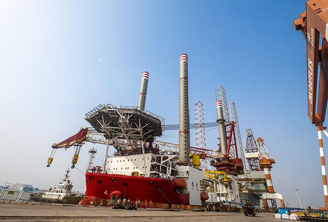由中集来福士自主研发设计的海上风电安装船。(付玉婷 报道)