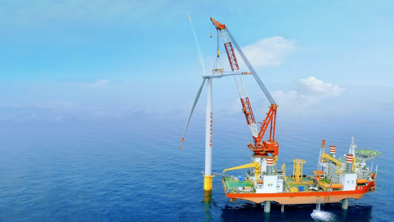 海上风电项目安装现场。