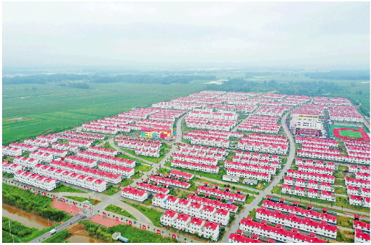 东明县长兴集乡8号村台面貌焕然一新。(□记者王世翔报道)
